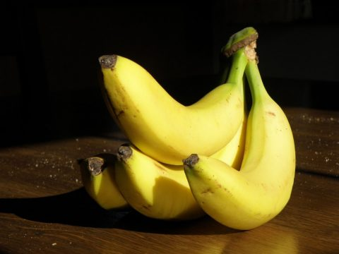 bananas_yellow_cluster_fruit-879056