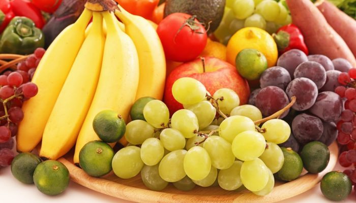 fruit-bananas-grapes-tomato
